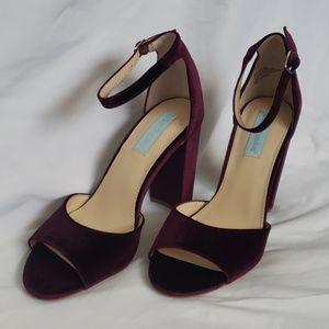 NEW Betsy Johnson Burgundy Velvet Heels